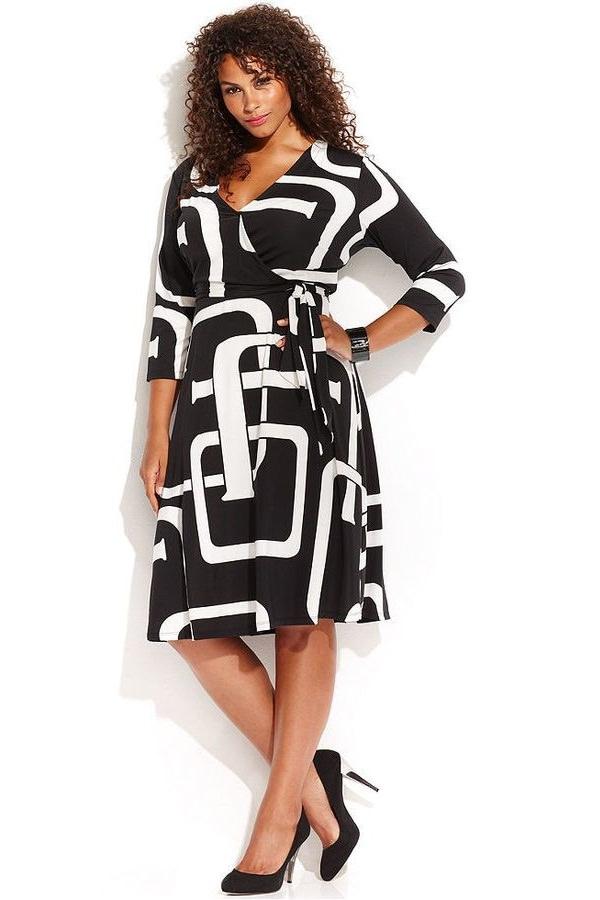 conseils sur la façon de porter une robe pour les femmes de grande taille pour obtenir une forme de sablier